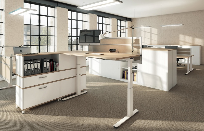 zit-sta bureau, sta bureau, in elektrisch verstelbaar bureau